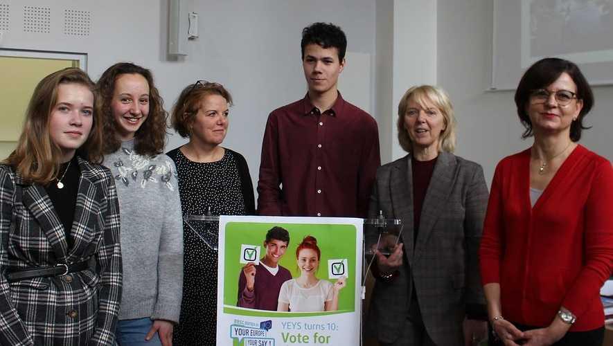 Trois lycéens de Saint-Charles au Parlement européen 0